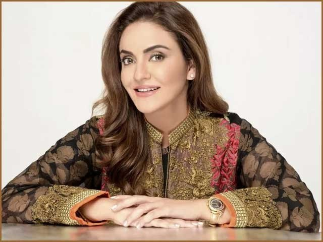Rich result son google SERP when searching for 'Nadia Khan showbiz'
