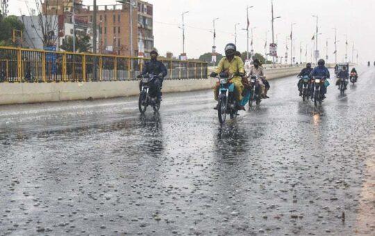 Rich result son google SERP when searching for 'Karachi rain sep 2021'